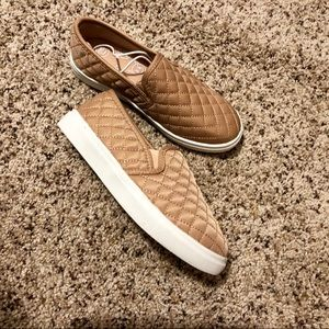 ✨NEVER WORN✨ Steve Madden Girls Shoes